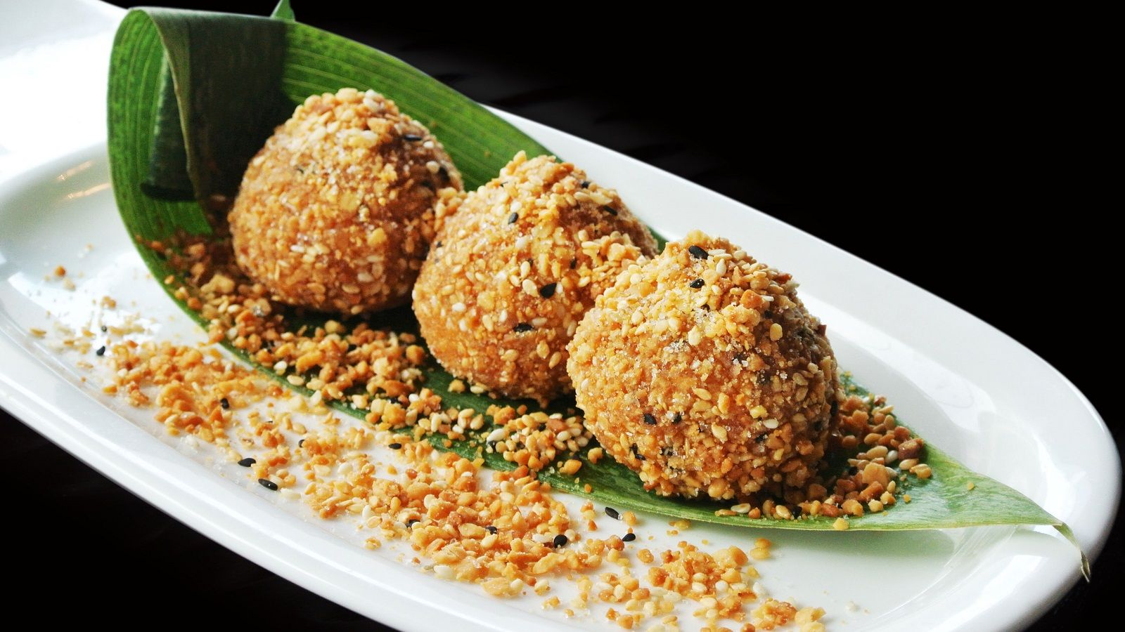 Jian Dui - Sesame Glutinous Rice Balls with Filling